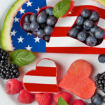Het is zo Amerikaans: afbeelding van fruitsalade met Amerikaanse vlag